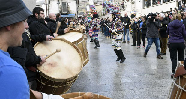Photo of Lardeiros, rondas de folións e festa do cabrito no Entroido de Vilariño de Conso