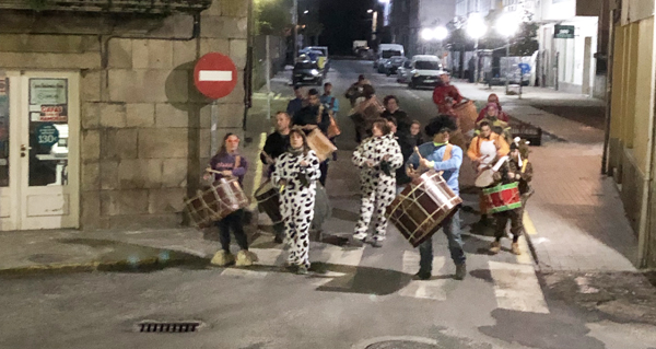 Photo of Ronda dos Labregos por Trives na noite do Xoves de Compadres