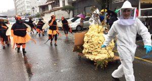 A gran Foliada de Entroido de Barbadás reta á chuvia