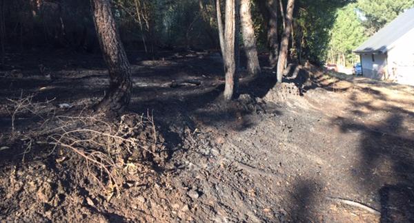 Photo of Susto en Veigamuíños (O Barco) ao achegarse un incendio forestal a un chalé