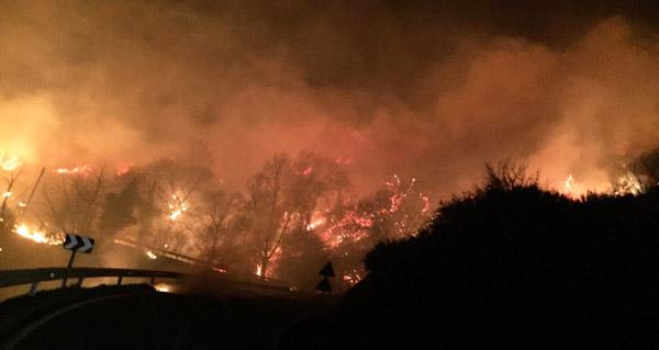 Photo of Incendio forestal con dous focos en Santigoso (O Barco)