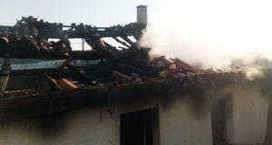 Incendio dunha vivenda en Sobrado (Trives)