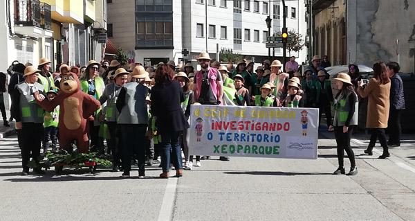 Photo of O proxecto do Xeoparque do Courel inspira á comparsa do CEIP Quiroga