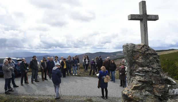 Photo of Percorrendo o Vía Crucis da Serra (A Veiga), o máis alto de Galicia