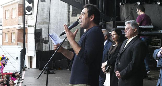 Photo of Multitudinario pregón do actor Pablo Chiapella na XXXVII Feira do Viño de Quiroga