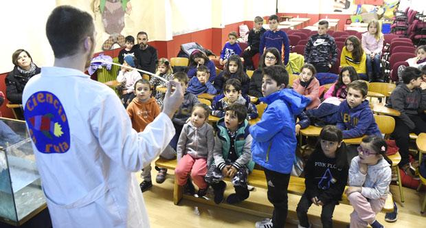 Photo of Os nenos do CEIP Manuel Respino da Rúa achéganse á ciencia