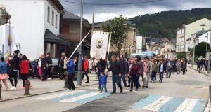 A procesión de San Xurxo e a orquestra Trébol poñen o broche ás festas de Vilamartín