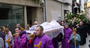 Procesión do Santo Enterro no Barco