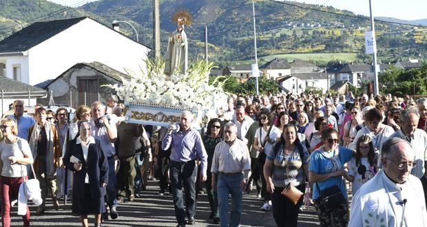 Photo of A parroquia ruesa de Fontei despide á Virxe de Fátima cunha multitudinaria procesión