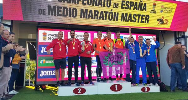 Photo of O equipo masculino do Adas, subcampión de España máster de medio maratón