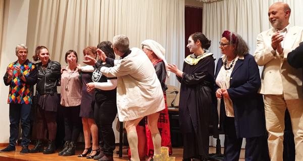"""Photo of Exitosa e divertida estrea de """"Mortos da risa"""" en Trives"""