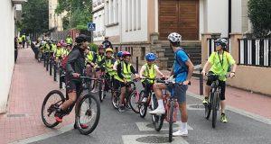 Alumnos de 4º e 5º de Primaria do colexio Divina Pastora percorren O Barco en bicicleta