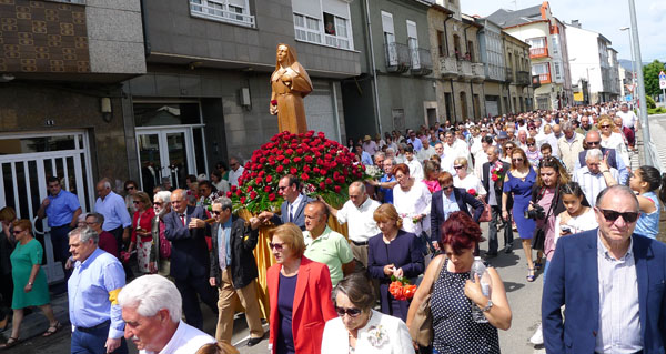 Photo of Multitudinaria procesión de Santa Rita no Barco