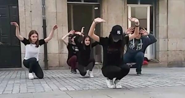 Photo of O grupo de teatro de mozos de Verín saca os seus personaxes á rúa
