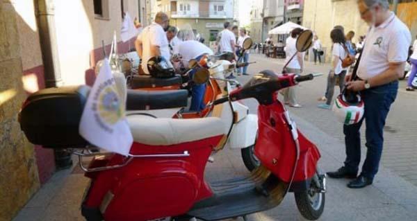 Photo of Vespas Lambrettas e motos clásicas encherán Verín o 7 de xullo