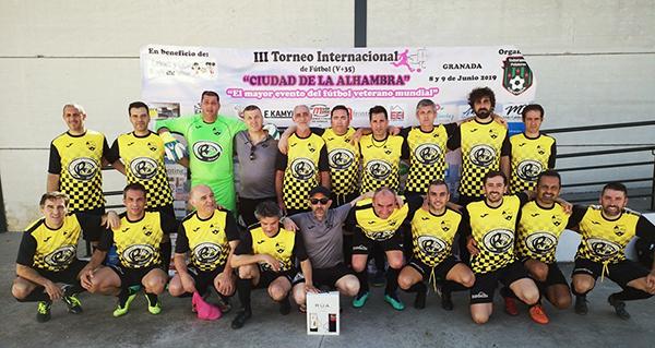Photo of Os veteranos do C.D. Rúa viven unha gran experiencia no Torneo Internacional de Fútbol celebrado en Granada