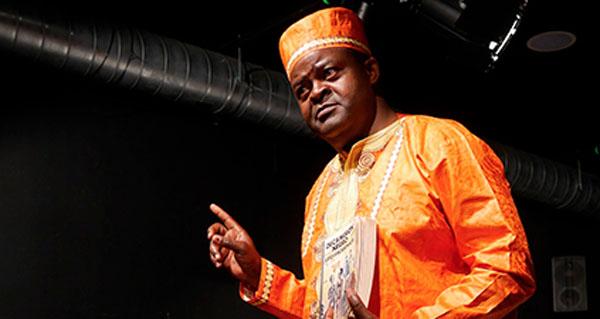 Photo of Os contos do camerunés Boniface Ofogo, o 21 de xuño no Barco