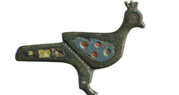 """Photo of Unha fíbula romana con esmalte, """"Peza de Xuño"""" do Museo Arqueolóxico Provincial de Ourense"""