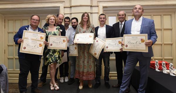 """Photo of Cea de gala para entregar os """"Grandes Ouros"""" da """"Guía de Viños e Bodegas de Galicia 2019"""""""