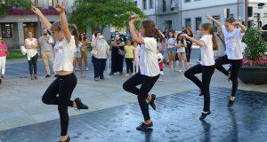 "Danza e música na apertura da ""VI Noite Branca"" do Barco"