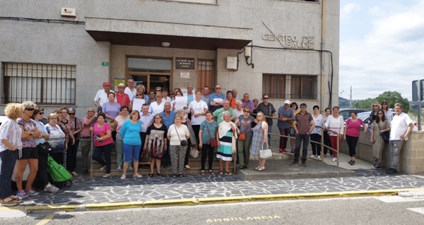 Photo of Seguen as concentracións no Centro de Saúde da Rúa