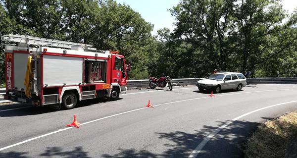 Photo of Un accidente entre unha moto e un coche deixa un ferido en Trives