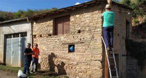 Quedan 6 días: o alumeado xa está colocado para a Festa das Covas de Vilamartín de Valdeorras