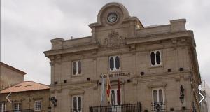 A gañadora María del Rosario López Sánchez recolle o XXXV Premio de Poesía Cidade de Ourense