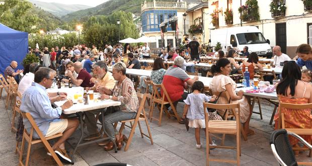 Photo of Moita música e unha cea popular, na Festa do Casco Vello do Barco