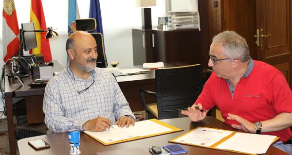 """Photo of O presidente da CHMS José Antonio Quiroga e o alcalde de Muíños, Pácido Álvarez, asinaron hoxe o convenio das obras do proxecto """"Raia Termal"""""""