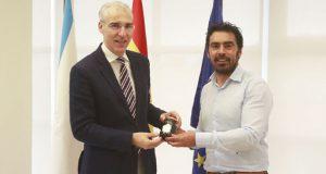 O alcalde da Veiga mantén un encontro co conselleiro de Economía