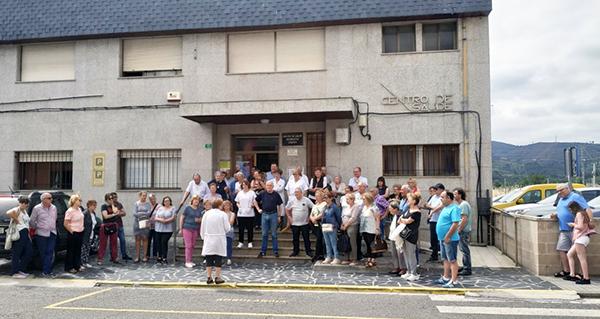 Photo of Mantéñense as concentracións no Centro de Saúde da Rúa