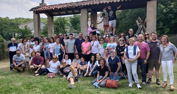 Photo of Medio cento de empregados de El Corte Inglés de A Coruña visitan A Ribeira Sacra
