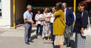 O CEIP Condesa de Fenosa reivindica a ampliación da súa cociña con motivo da visita da conselleira de Educación