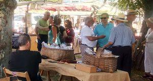 A Asociación Tarabela organiza a súa primeira feira de artesanía en Parada de Sil