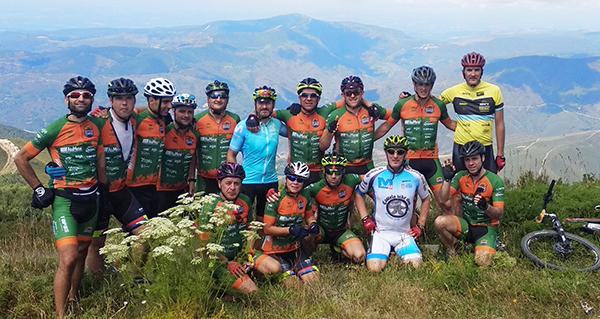 Photo of Unha vintena de bikers coroan o Pía Paxaro en terras de Quiroga