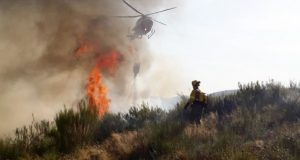 Controlado o incendio de Montefurado (Quiroga) tras queimar 149 hectáreas