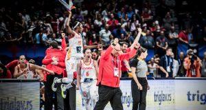 Lucas Mondelo leva a España a unha nova final do Eurobasket