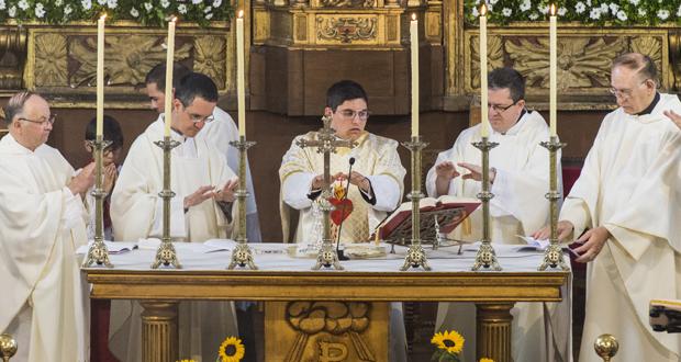 Photo of Primeira misa solemne do sacerdote rues Antonio Ferrer Soto