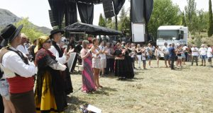 A XIII Festa da Cabrera ensalza á comarca e reúne a máis de 700 persoas no xantar
