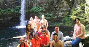 Punto e final do campo de voluntariado internacional de Quiroga