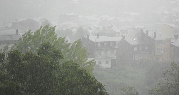 Photo of Alerta laranxa por tormentas e chuvia na montaña ourensá neste mediodía