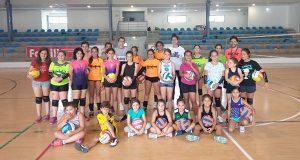 Xa está en marcha o campus de voleibol en Quiroga