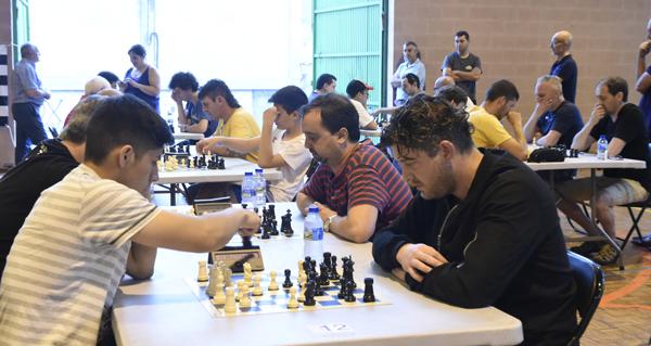 Photo of David Larino (CX Verín) faise co título do III Aberto Internacional de Xadrez A Rúa