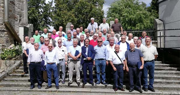Photo of Os antigos alumnos de Santa Leonor de Trives volven reencontrarse co seu centro