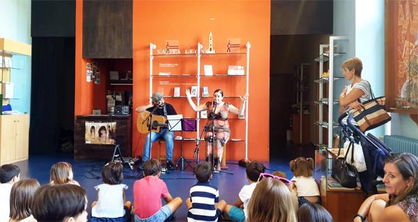 """Photo of Contacontos musical """"Música Miúda"""" para os máis pequenos na Biblioteca de Trives"""
