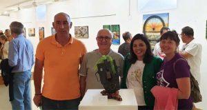 "Inaugúrase en Santa Leonor (Trives) a exposición ""RECUPERART"" de Joaquim Riera"