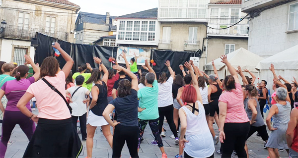 Photo of Baile e diversión na masterclass de zumba de Trives