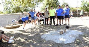 O torneo de bolos celtas reúne a 32 parellas en Punxeiro (Viana do Bolo)