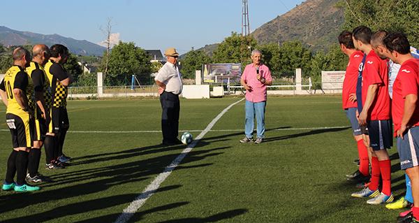Photo of Emotividade e deportividade no IV triangular de fútbol veterano Festas da Rúa